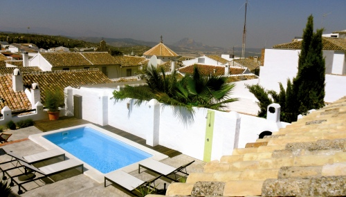 After living 20 years in London, Myles and David open a guest house in Aldalucia, Spain