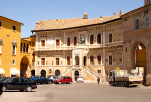 A typical village square - or piazza - in Le Marche