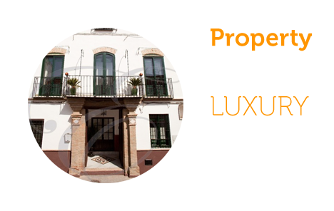 Luxury Property: Twelve-bedroom townhouse in Velez Malaga