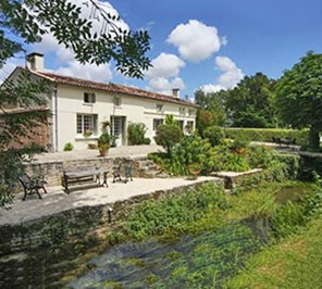 Weekly Property - Thors, Charente-Maritime