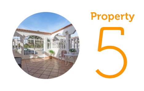 Property 5: Three-bedroom townhouse in Torrevieja