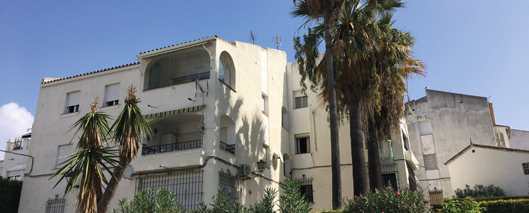 Three-bedroom flat in Estepona