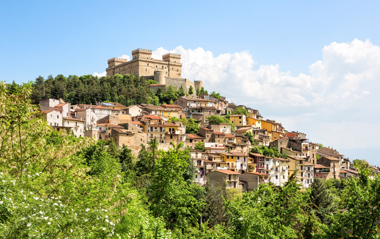 Tuscany vs Abruzzo - Where's Right for You?