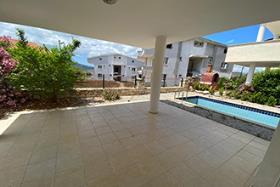 Image No.2-Maison / Villa de 3 chambres à vendre à Akbuk