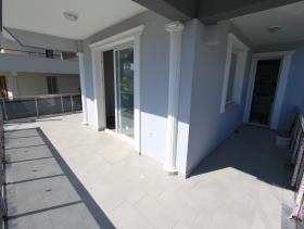Image No.3-Villa de 4 chambres à vendre à Altinkum