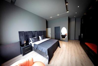 large-master-suite
