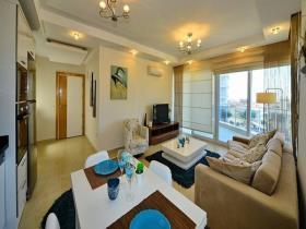 Cikcilli, Apartment