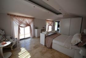 Image No.5-4 Bed Villa / Detached for sale