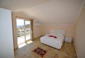 Image No.2-5 Bed Villa / Detached for sale