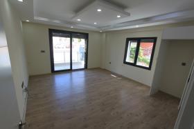 Image No.4-Appartement de 2 chambres à vendre à Altinkum