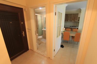 entrance-hall--modern-apartment-on-royal-marina--altinkum
