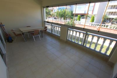 spacious-glassed-in-balcony--modern-apartment-on-royal-marina--altinkum