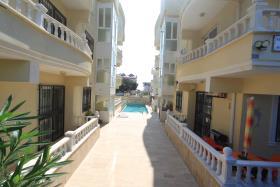Image No.1-Appartement de 1 chambre à vendre à Altinkum