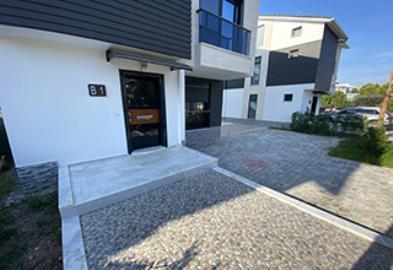 Front-Entrance--Detached-Mavisher-Villa--Altinkum