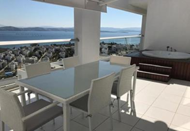 Alfresco-Dining-and-Jacuzzi--Modern-Penthouse-on-Horizon-Sky--Bodrum