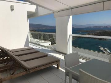 Large-Roof-Terrace--Modern-Penthouse-on-Horizon-Sky--Bodrum