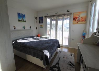 spacious-double-bedroom--traditional-torba-villa--bodrum