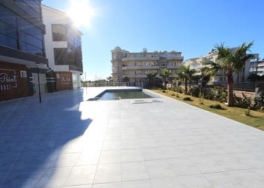 communal-pool--two-bed-resale-apartment--altinkum