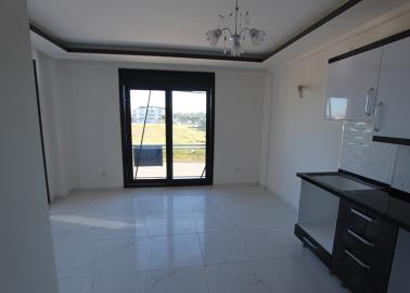 good-size-living-area--two-bed-resale-apartment--altinkum