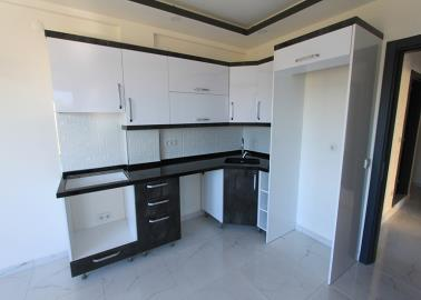 modern-kitchen--two-bed-resale-apartment--altinkum