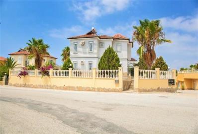 walled-and-gated-home--detached-villa-in-mahmutlar--centre--alanya