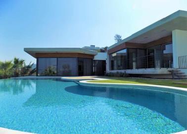 large-pool--luxury-sea-view-villas--bodrum