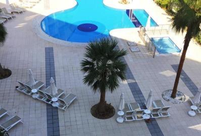 communal-pool--ramada-resort-apartment--kusadasi