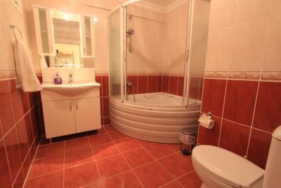 family-bathroom--key-ready-duplex--altinkum