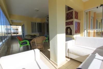 large-glassed-in-balcony--key-ready-duplex--altinkum