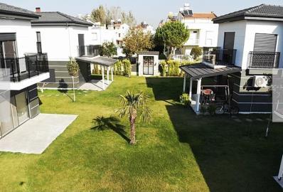 lovely-communal-gardens--modern-villa-for-sale-in-kusadasi