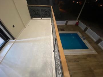 balcony-overlooks-pool