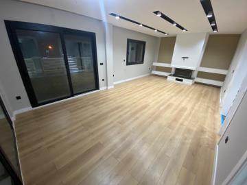 spacious-modern-lounge