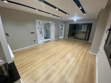 very-spacious-living-area