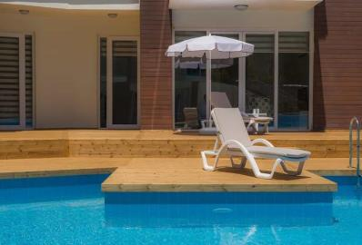 decked-poolside-terrace--luxury-two-bed-apartment-in-oludeniz