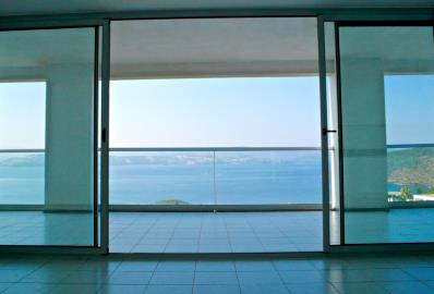 doors-accessing-terrace-with-sea-view