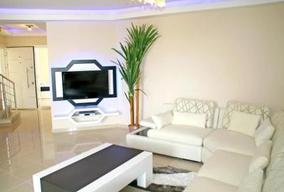 bright-airy-lounge