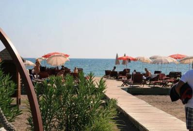 beautiful-beach-nearby