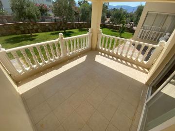 back-facing-balcony