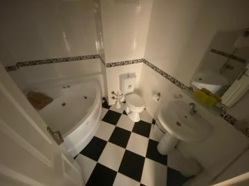 fully-tiled-fmaily-bathroom