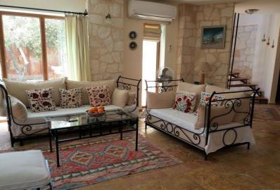 lovely-furnished-lounge