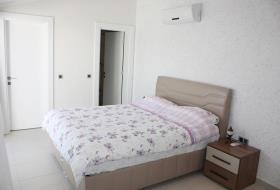 Image No.3-Duplex de 4 chambres à vendre à Side