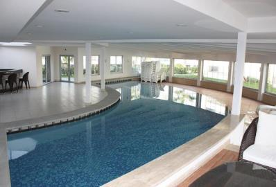 communal-indoor-pool