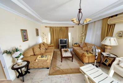 well-furnished-lounge