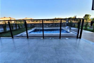 terrace-overlooking-pool