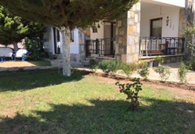 terrace-with-garden-area