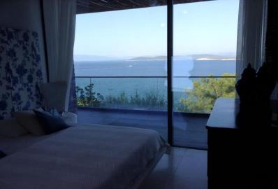sea-view-from-bedroom