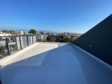 large-roof-terrace-with-open-views