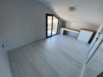 access-onto-roof-terrace