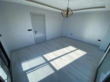 bright-airy-bedroom