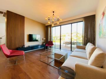 bright-spacious-living-area
